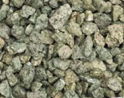 Our Green Chippings is supplied in mini bags and it is available in 20mm size. Chippings are used to enhance any landscape or building project, most commonly on driveways, water features and ponds, borders, rockeries, footpaths and walkways.
